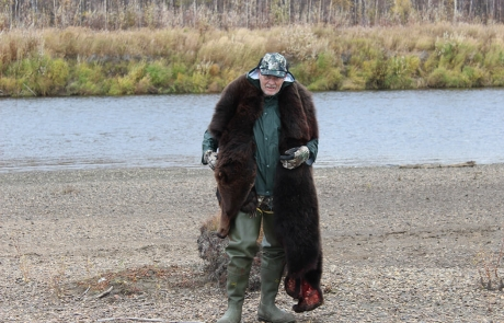 Grizzly-Bear-Hunting-in-Alaska